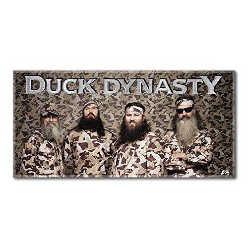 The Northwest Company A&E Duck Dynasty Beach Towel, Camo]()