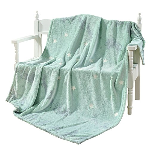 (DECOSY Decorative Velvet Star Shining Throw Blanket - Glow in Night - Creative Flannel Plush Sofa Couch Car Chair Throws - St Patricks Day Home Décor Deer Pattern Blanket Green)