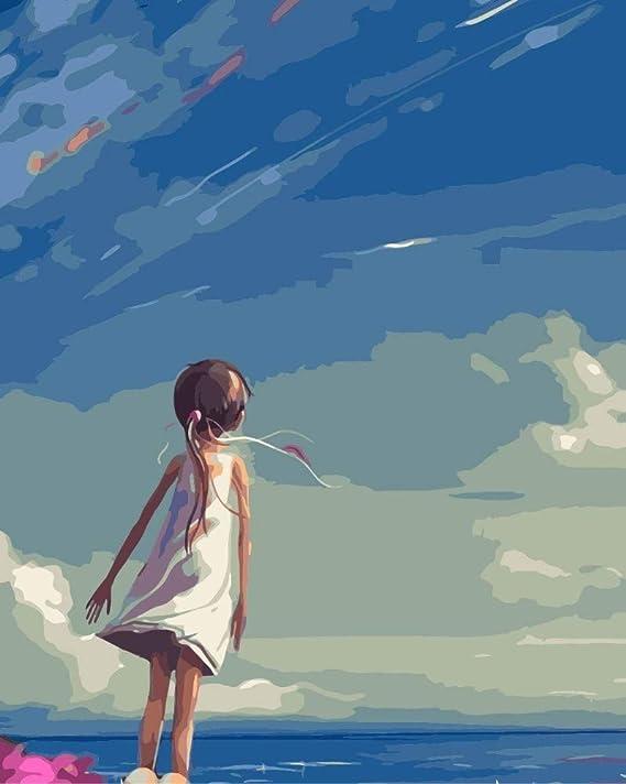 La chica mirando hacia arriba al cielo