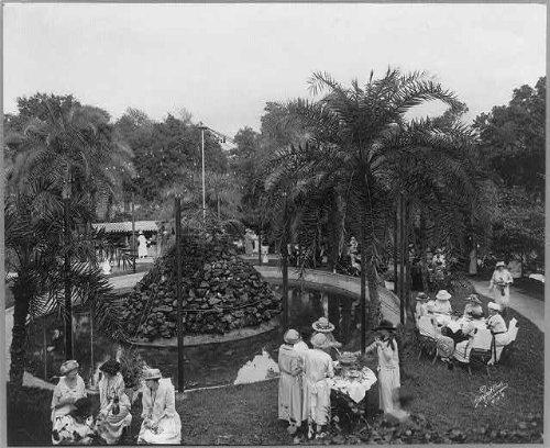 (HistoricalFindings Photo: Jewel Box Tea Garden,Tampa,Hillsborough County,Florida,FL,c1923,tea party,women)