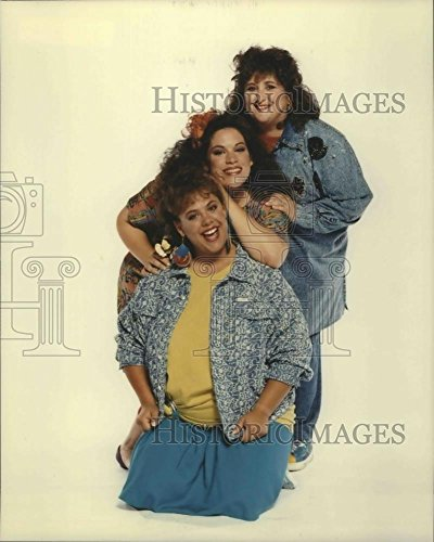 1990 Hold close Photo Susan Peretz, Wendy Jo Sperber & Lesley Boone on Babes.