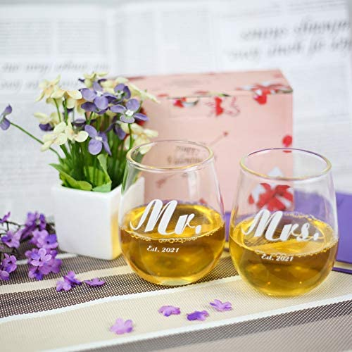Mr and Mrs Gifts Mr and Mrs Est 2021 Wine Glasses Mr and Mrs Wine Glasses Set 2021 Couples Wine Glasses Engagement Wedding Bridal Shower Gifts for Bride Groom Valentine's Day Gifts 2 Pack 15 Ounce
