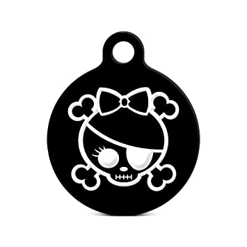 Amazon Com Skull And Bones With Bow Round Keychain With Tab