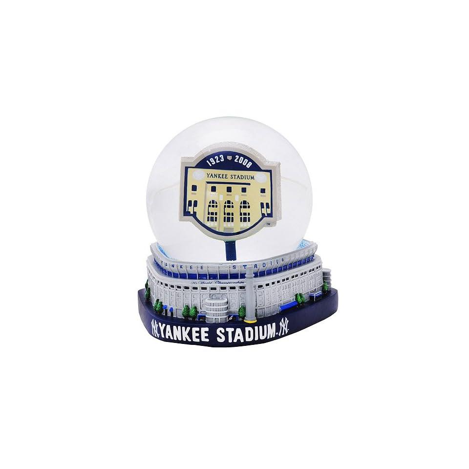 """New York Yankees """"Yankee Stadium Final Season"""" Stadium Snow Globe""  Sports Related Collectible Water Globes  Sports & Outdoors"