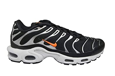 finest selection 1c41f 114b8 Amazon.com | Nike Air Max Plus TN SE Black/Hyper Crimson ...