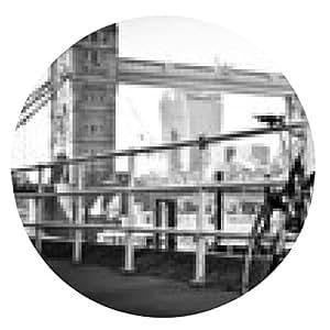 alfombrilla de ratón Bicicleta estacionada en Londres en blanco y negro artística - ronda - 20cm