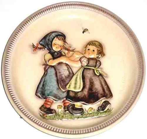 M. I. Hummel ** Spring Dance Anniversary Plate (1980) 10'' ** Hum 281 by M I Hummel
