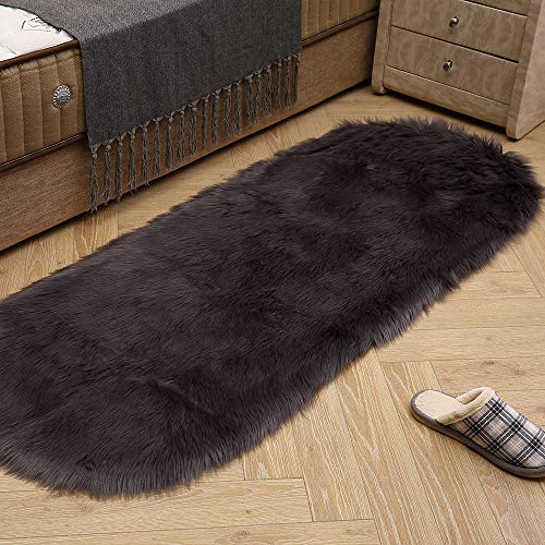 LEEVAN Soft Shag Area Rugs Living Room Faux Fur Wool Oval Bedroom Carpet Plet Rug Fluffy Kids Children Play Mat Home Accent Decorate(Dark Grey,2ft x 4ft)