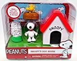 Peanuts Snoopy's Dog House w Woodstock 2015 Figures