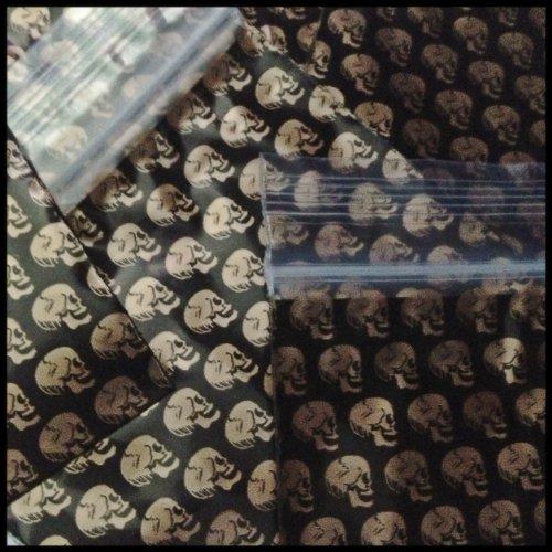 "Mini Ziplock 100 2030 Gold Skulls Design 2"" X 3"" Baggies Apple Brand High Quality"