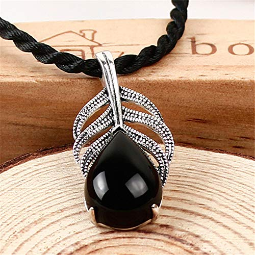DHCY Women's 925 Sterling Silver Necklace, Garnet Pendant, Agate Pendant Banana Fan Shape Vintage Fashion Necklace,Black