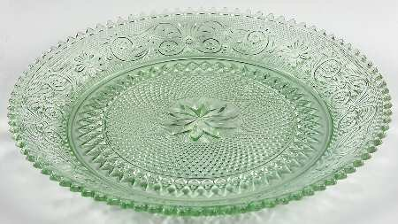 (Vintage Tiara Chantilly Sandwich Light Green Glass 12 1/4