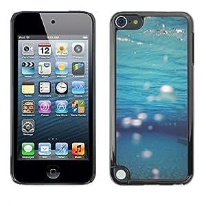 FECELL CITY // Duro Aluminio Pegatina PC Caso decorativo Funda Carcasa de Protección para Apple iPod Touch 5 // Teal Sea Underwater Diving