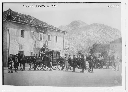 HistoricalFindings Photo: Cetinje,arrival,post,mail,carts,wagon,horse drawn transportation,crowd,mountains -