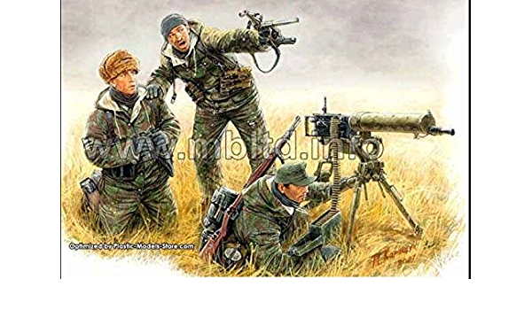 Plastic Model Building Set # 3540 1942 Stalingrad Masterbox 1//35 Scale German Signals Personnel