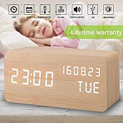 Alarm Clock, Wood Alarm Clock Digital Clocks for Bedroom Beside LED Wooden Clock Small Desk Clock Time Date Week Temperature Travel Clocks 3 Levels Brightness 3 Alarms Voice Control