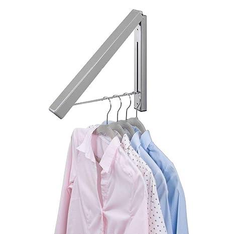 mDesign Colgador de ropa abatible para tendedero – Escuadra metálica para prendas que se van a enviar a la tintorería – Perchero de pared plegable con ...