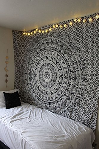 (Marubhumi Tapestry Wall hangings Black and White Hippie Mandala Tapestry Wall Art Collage Dorm Beach Throw Bohemian Tapestry Wall Decor Boho Bedspread, Twin (85 x 55 inch))