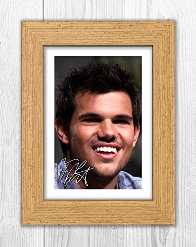 Engravia Digital Taylor Lautner 1 SP - Signed Autograph Reproduction Photo A4 Print(Oak frame)