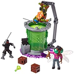 Leo stumbles into some weird science when he surprises mad inventor turned mutant fly Baxter Stockman in the Baxter Mutation Lab playset by Mega Bloks Teenage Mutant Ninja Turtles! Baxter is set on making a mutant army and plans to use his bi...