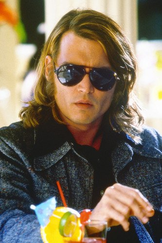 Johnny Depp cool pose in huge sunglasses from Blow 24x36 Movie Poster