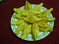 A COOKBOOK ON TRADITIONAL DESSERTS FROM THE EASTERN PART OF INDIA - WEST BENGAL (BENGALI CUISINE). IT HAS SIMPLE, YET EXOTIC AND EASY TO MAKE RECIPES.LEARN TO MAKE DELICIOUS AND MOUTH WATERING INDIAN SWEETS LIKE THE FAMOUS ROSOGOLLA, SANDESH,...