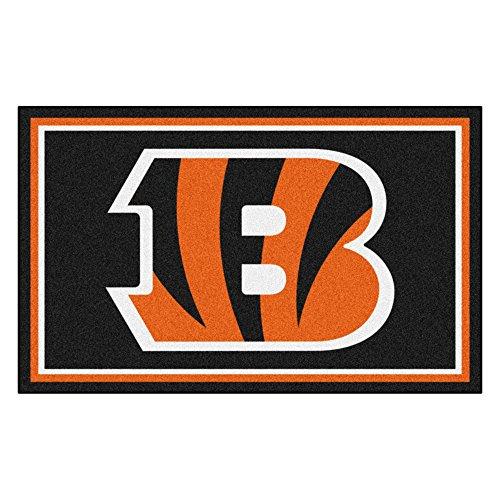 FANMATS NFL Cincinnati Bengals Nylon Face 4X6 Plush Rug