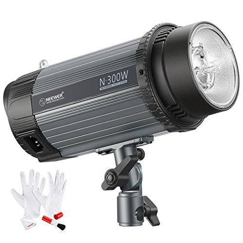 (Neewer 300W 5600K Photo Studio Strobe Flash Light Monolight with Modeling Lamp and 3-IN-1 Cleaning Kit, Aluminium Alloy Construction, for Indoor Studio Location Model and Portrait Photography (N-300W))