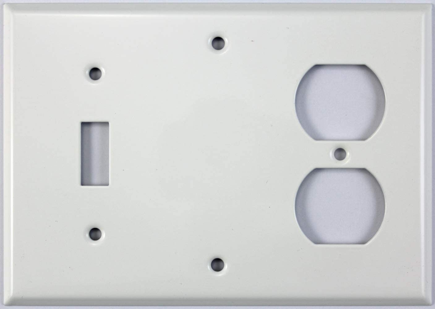 Smooth White 3 Gang Combo Wall Plate 1 Toggle Switch 1 Blank 1 Duplex Outlet Amazon Com
