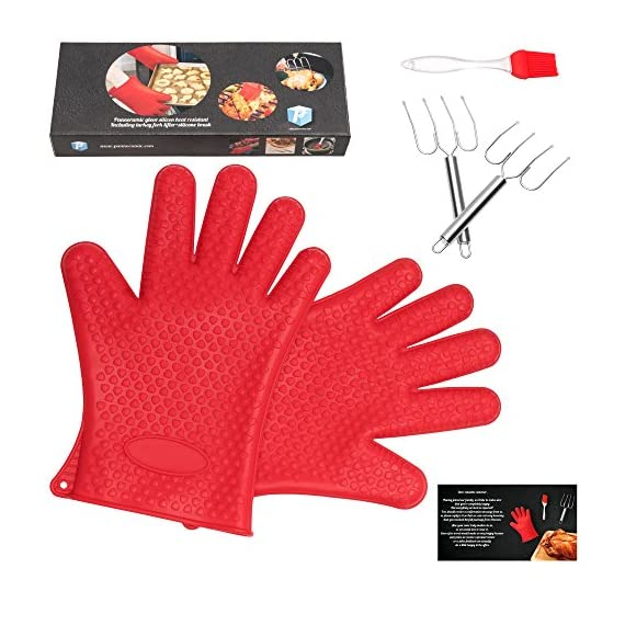 pannoramic 2xGloves Ove BBQ Silicone Heat Resistant Cooking Set Kitchen Mitts Pot Holder Including 1xBrush Basting Silicone Baking Grilling Oil Pastry Bakeware Tool 1 MAXIMUM PROTECTION AND TOP QUALITY SET. Our Ove Glove Non Slip Five Finger Exclusive Flame Design Heat Resistant 100% Waterproof, Easy To Rinse On A Dishwasher Safe Or Throw In The Sink, FDA Approved SUPER SET- ONLY THE BEST FOR YOU- Quality and the satisfaction of our customers is the most important for us. Make cooking and grilling more exciting, effortless and safer with this 3 Great Tools. This SUPEIOR VALUE SET ARE FUNCTIONALLY MATCHED AND VERY REASONABLY PRICED WITH 100% MONEY BACK SATISFACTION GUARANTEE. INCLUDING PREMIUM RESISTANT BASTING SILICONE BRUSH Ideal In The Kitchen When Cooking And Baking Pastry, Grill BBQ, Deserts, Marinades On Meat Spread Glazes, Sauces. Ergonomic Comfort Grip Handel, Heat Resistant. Perfect For Spreading Butter, Oil, Egg, Honey, Glazes Vegetables And Pastries. Designed to Mop up and Hold Generous Amounts of Liquid (BBQ Sauce, Butter Glaze) more Efficiently than your Average Basting Brushes. IS MORE LIKE THE QUIET MEMBER OF THIS SET BUT IT'S EFFICIENT, CONVENIENT, AN