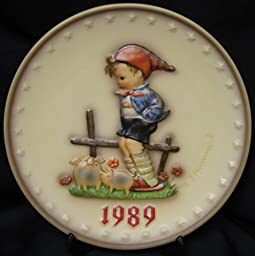 M. I. Hummel Annual Plate 1989 - 19th Edition - Goebel