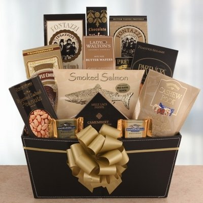 Santa's Elegance Holiday Gourmet Gift Basket by Organic Stores