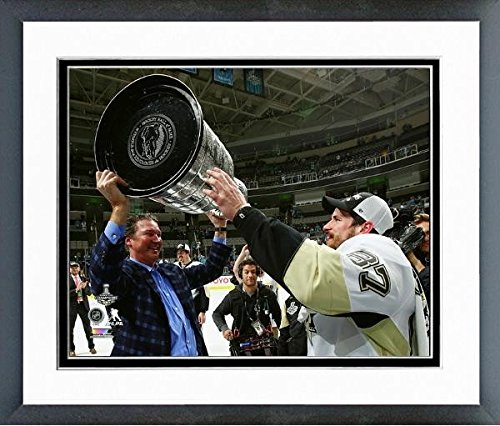 "Sidney Crosby Mario Lemieux Pittsburgh Penguins 2016 NHL Stanley Cup Trophy Photo (Size: 18"" x 22"") Framed"