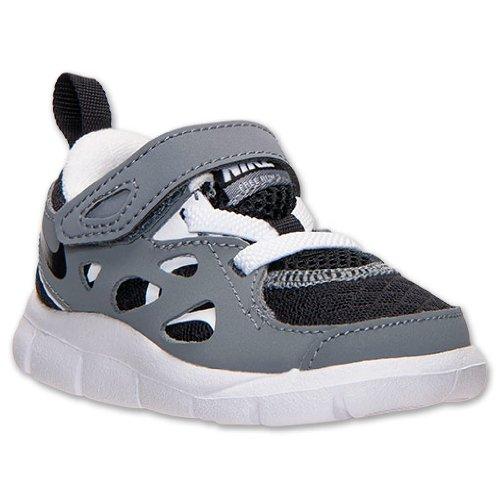 49febaf5595a Amazon.com   NIKE Boys  Toddler Free Run 2 Running Shoes
