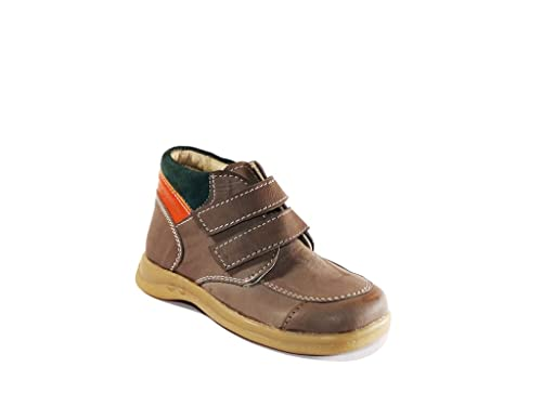 4497c893954 Calzado Boys Casual Shoes BEIGE-2008-26  Amazon.in  Shoes   Handbags