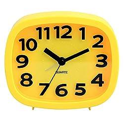 HENSE Non-ticking Sweep Second Quartz Movement Analog Bedside Alarm Clock Battery Operated 3D Arabic Numerals Alarm Clock HA07 (Yellow)