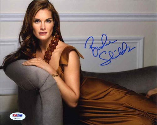 Very Nice Signed - Brooke Shields Very Nice Signed 8x10 Photo Certified Authentic PSA/DNA COA
