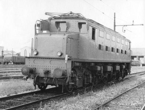 Rivarossi – hr2416 – Modelleisenbahnen – Elektrolokomotive E 326 in Lieferung Original FS