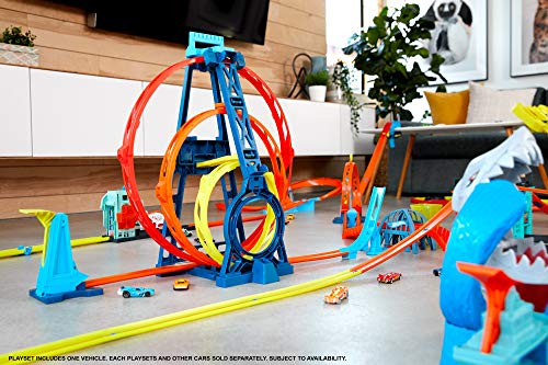 51hTn ECTBL Track Builder Unlimited Triple Loop Kit is the ultimate triple loop threat— first ever triple loop stunt. Multi-use pieces for nearly endless combinations unlock creativity. The set is an epic 20-inches tall for big-time fun Build a gravity drop or make a daredevil jump and connect to other track builder sets for amped up challenges with friends.