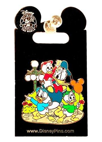 Disney Pin Donald Duck with Nephews Huey Dewey and Louie at Park Streetlight Balloon