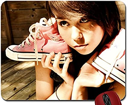 Femme modèles Celebrity Ariel Rebel Converse All Star Mouse