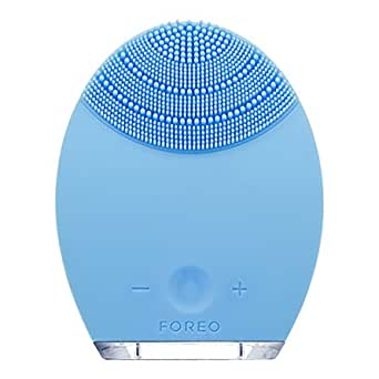 FOREO LUNA Face Exfoliator Brush and Silicone Cleansing Device for Combination Skin, Blue