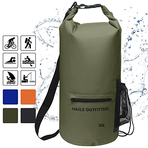 6e97b17e957f ... Sack with shoulder straps and Front Zippered Pocket Keeps Gear Dry for  Boating