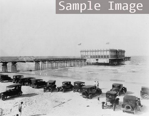 1910 Ocean Pier Casino, Daytona Beach, Florida, with automobiles parked on th ()