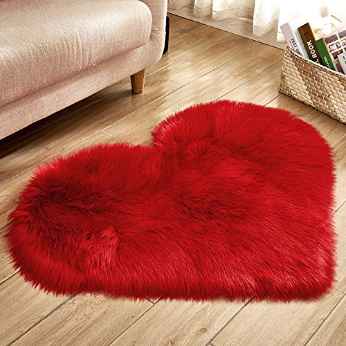 (USIX 27.5x35.5 Inch Heart Shaped Luxurious Faux Sheepskin Leather with Long Plush Wool Fur and Faux Suede Backing Hard Floor Cover Cushion Pad Area Rug (Red))