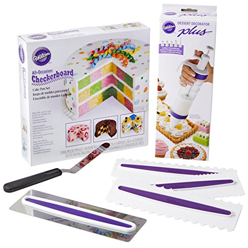 Wilton How to Make a Checkerboard Cake Decorating Set, 7-Piece - with Round Cake Pans, Decorating Tool, Icing  Smoother, 3 Icing Combs and Spatula (Checker Pan Cake)