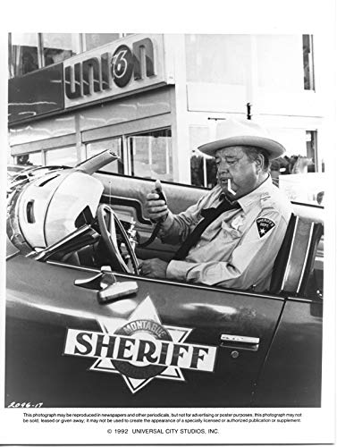 Jackie Gleason in Sheriff car Smokey and the Bandit Original 8x10 Photo (Jackie Gleason Smokey And The Bandit Photos)