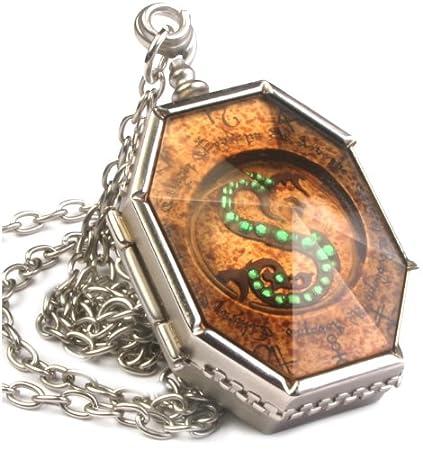 66672d7c Amazon.com: The Noble Collection Harry Potter Horcrux Locket: Toys ...
