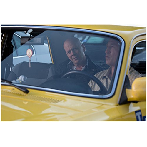 A Good Day to Die Hard 8x10 Photo Bruce Willis Riding in Back Seat of Taxi kn (A Good Day To Die Hard Actress)
