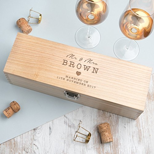 (Personalized Wooden Wine Gift Box/Personalized Wedding Keepsake Gifts for the Couple)